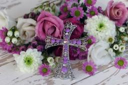 Kreuz mit Blumen