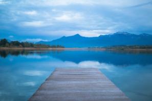 lake-1398088_1920